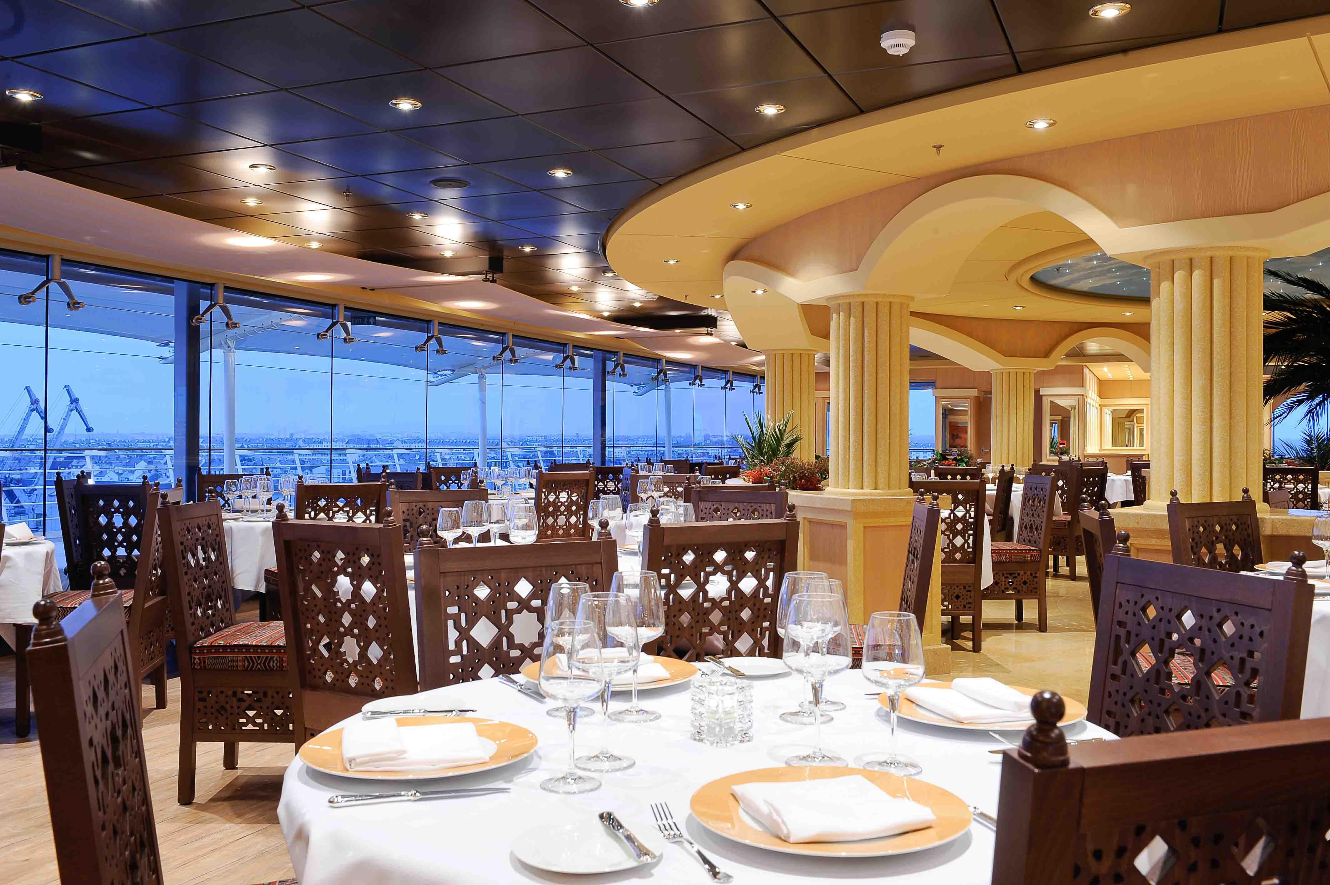 Temporada de cruzeiros 2012 2013 no brasil msc navio for Msc magnifica foto