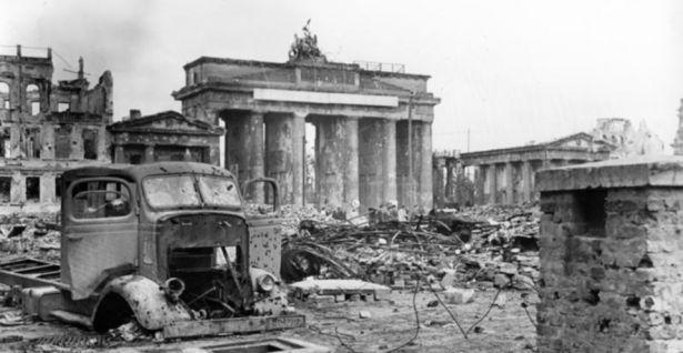 Berlim, Museu Historico, Exposicao Fim da Guerra, Foto Carl Weinrother na Exposicao - Foto VisitBerlin, Divulgacao